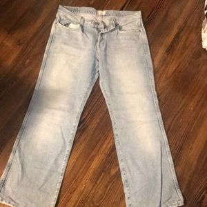 Tilt Light Washed Jeans